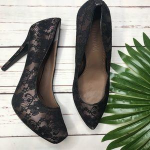 {Colin Stuart} sz 9 Black lace pumps
